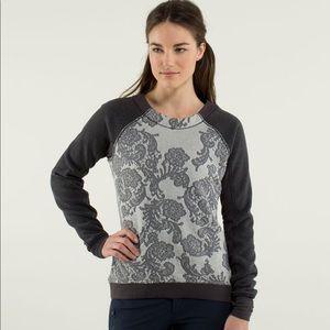 Lululemon fleet street grey lace sweatshirt Top 4